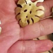 Cómo proteger el brillo de una joya de cobre o de latón